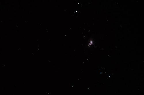 Orionin suuri kaasusumu M42 Nikon D5100, 300mm/f5.6, 28x0,8s noin 30% croppaus