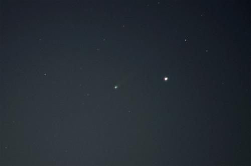 C/2012 S1 (ISON) -komeetta  Nikon D5100, 300mm/f5.6, ISO3200, pinottu 43x1,3s