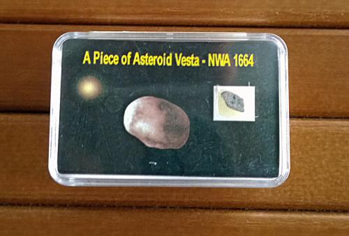 Meteoriitin sirpale peräisin Vesta-asteroidista