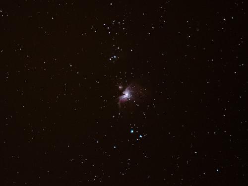 M42 Orionin suuri kaasusumu Nikon D5100, Sigma 200mm/f2.8, ISO1600, pinottu 50x1s