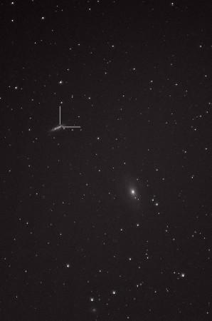 Supernova SN 2014J, galaksit M81, M82 ja NGC 3077 Nikon D5100, 200mm/f2.8, ISO3200, pinottu 287 x 1,3s ruutua ja 22 dark framea.