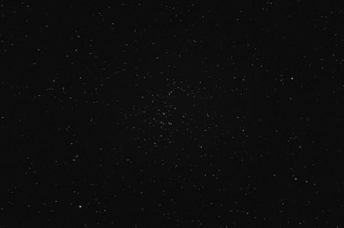 Avonainen tähtijoukko M44 Nikon D5100, 200mm/f2.8, ISO3200, pinottu 28 x 1,3s