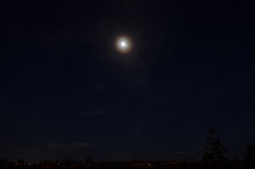Kuun kehä ja hornet-hävittäjä Nikon D5100, 16mm/f2.8, ISO100, 2s