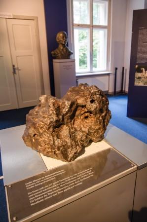 Noin 300 kg painava Canyon Diablo meteoriitti