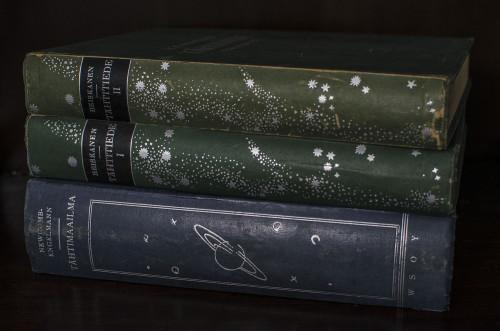 Tähtimaailma, Tähtitiede 1 ja Tähtitiede 2