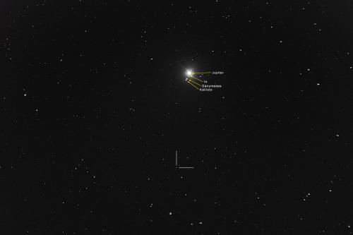 Asteroidi (8) Flora Nikon D7100, 200mm/f2.8, ISO1600, pinottu 71 x 1,3s