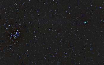 Komeetta C/2014 Q2 (Lovejoy) ja Seulaset 50mm/f1.8, ISO1600, 172 x 5s