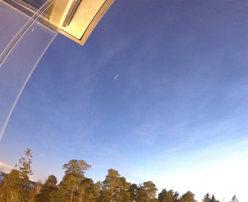 Tunnistamattoman satelliitin välähdys 18:02