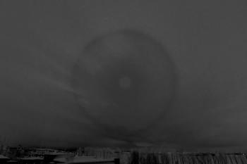 Kuun halo 22r B-R-käsitelty