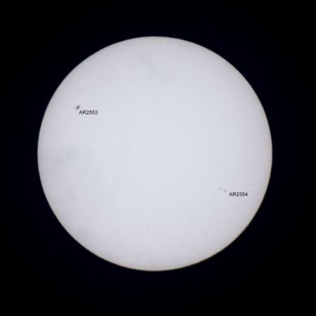 Auringonpilkkuryhmät AR2553 ja AR2554